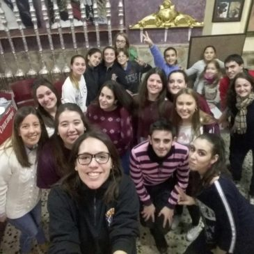 Decoración de la Casa Hermandad por el Grupo Joven